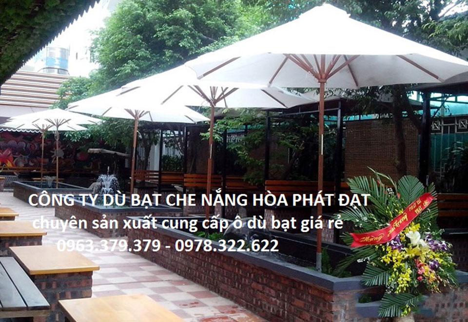 dù-che-nắng-mưa-quán-cafe
